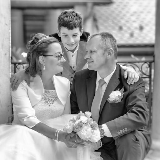 Házaspár Az Esküvőn Gyermekükkel