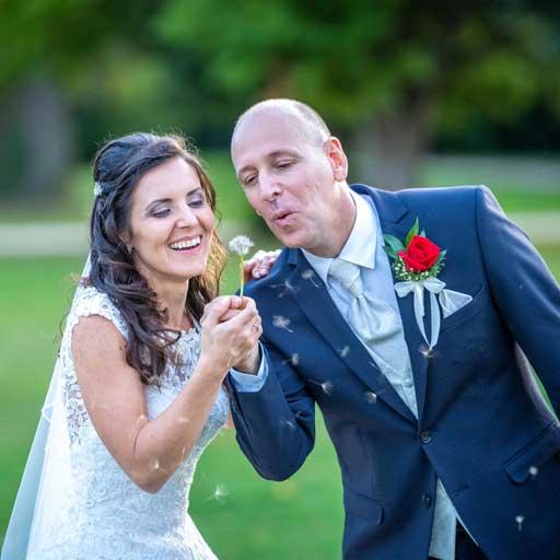 Menyasszony és Vőlegény Pitypang Fújás