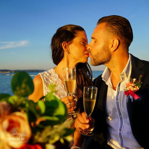 Szerelmes Csók - Olcsó Esküvői Fotós
