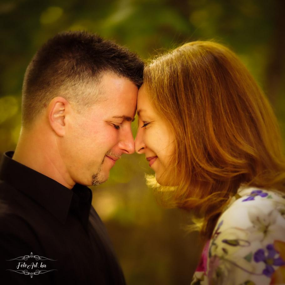 Szerelmesek Egymásra Néznek - Esküvői Fotózás